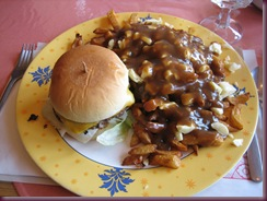 cheeseburger & poutine