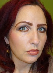side view wearing Urban Decay's Naked On The Run Palette