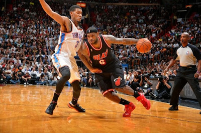 lebron james nba 140129 mia vs okc 20 King James Debuts New Nike LeBron 11 PE for One Quarter