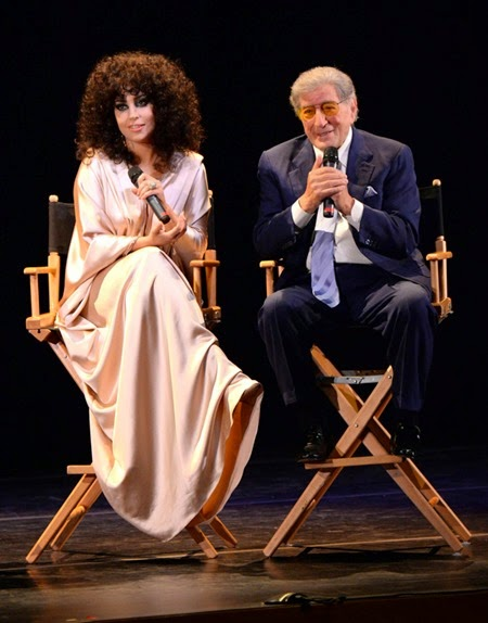 Tony_Bennett_and_Lady_Gaga_-_Cheek_to_Cheek 4