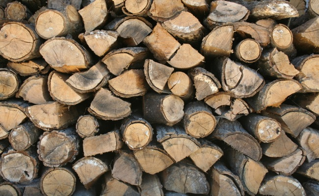 CC Photo Google Image Search Source is upload wikimedia org  Subject is Stack of firewood