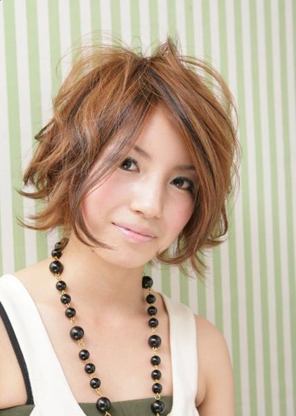 cute Korean female hairstyle