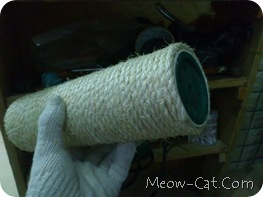 how to building cat tree -Wrap the Posts with Sisal Rope 8