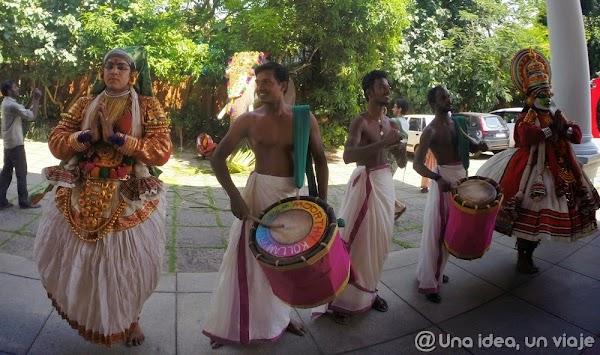 Kerala-backwaters-Kollam-1.jpg