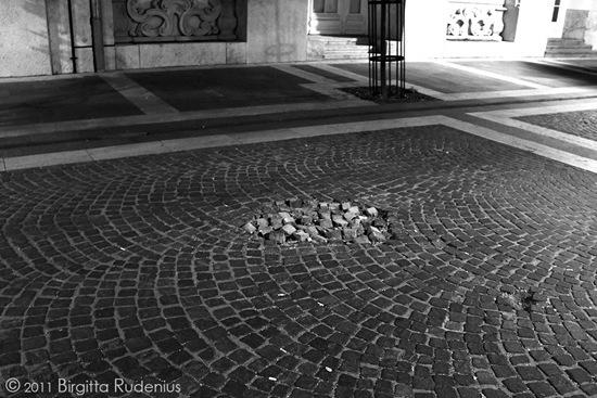 street_20110925_stone