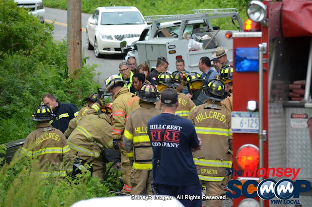 MVA With Entrapment On S. Mountain Rd - DSC_0016.JPG