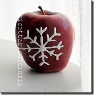 mele decorate con la glassa reale
