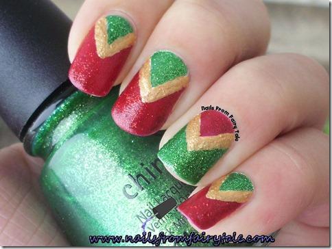 christmas v manicure