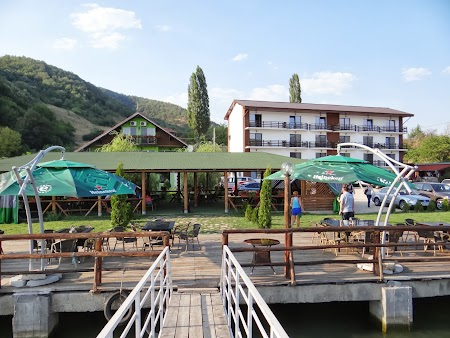 Pensiune in Cazanele Dunarii: Pensiunea Danubia Ieselnita