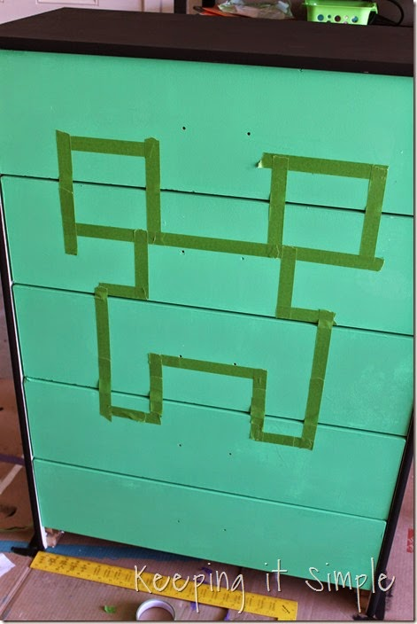 Minecraft Creeper Dresser with DecoArt Chalk Paint (3)
