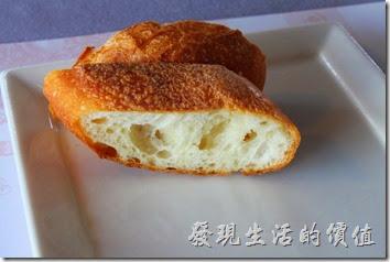 台南-瑪莉洋房(Marie's House)。法式手工麵包,使用T55麵粉製成的法國手工麵包非常有咬勁,那淡淡地麥香隨著每一口地咀嚼,緩緩的散發出來刺激著味覺。