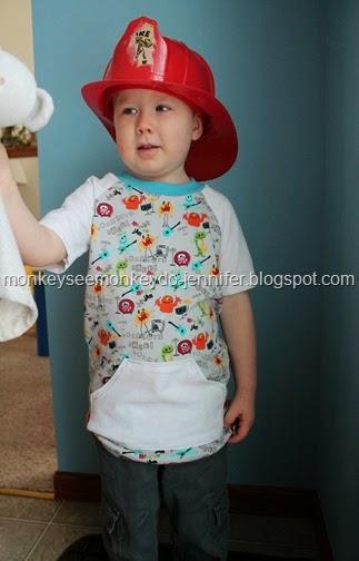 raglan shirt with kangaroo pocket