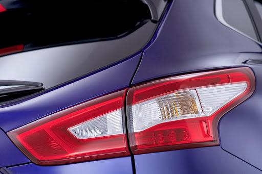 2014-Nissan-Qashqai-14.jpg