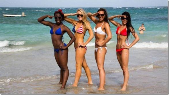 cheerleaders-swimsuits-calendar-25