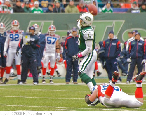 'NY Jets vs. Buffalo, Oct 2009 - 07' photo (c) 2009, Ed Yourdon - license: http://creativecommons.org/licenses/by-sa/2.0/