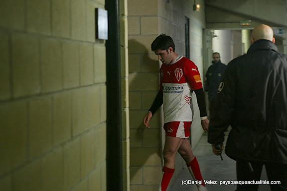 Dimitri Yachvili pose son sac...
