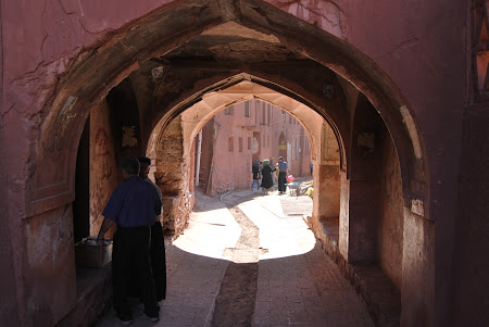 Sat traditional Iran: Abyaneh