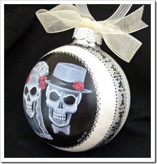 TD Skull Groom Ornament side view