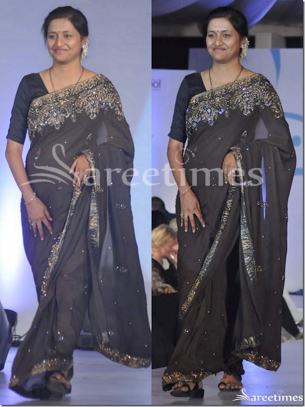 Black_Embroidery_Sari