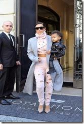 1412161803212_wps_72_Kim_Kardashian_leaving_he