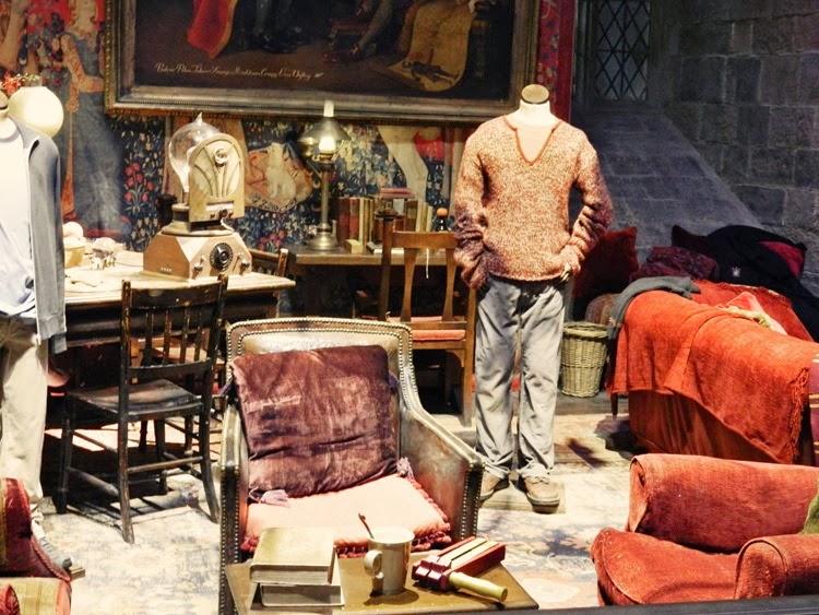 Gryffindor-Common-Room-Harr
