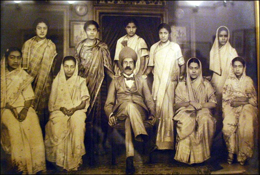Osman Ali Khan with With ladies at home