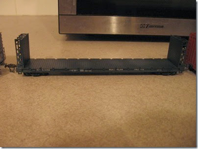 IMG_5073 Northern Pacific Bulkhead Flatcar #67048 (Model Die Casting-Walthers Kitbash) on January 20, 2007
