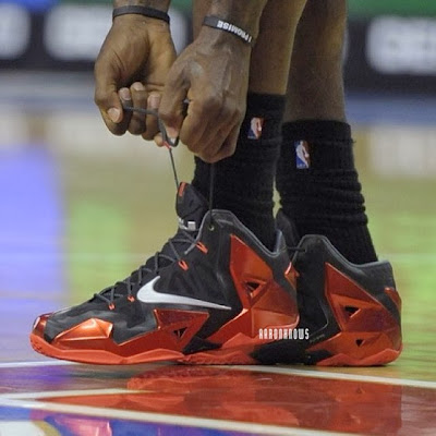 lebron james nba 131030 mia at phi 01 James Debuts Nike LeBron 11 Away in Miamis First Loss in Philly