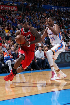 lebron james nba 130214 mia at okc 15 LBJ Powers Heat in new PEs. Ends Streak by Shooting ONLY 58%.