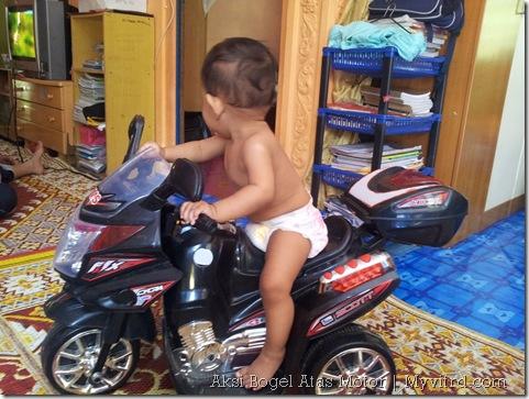 Aksi_Bogel_Atas_Motor_Superbike 2