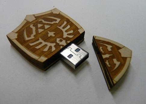 2. Hyrule Escudo USB