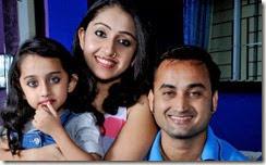 nithya-das-family-pic
