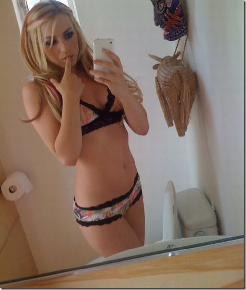 hot girl mirror camera 13