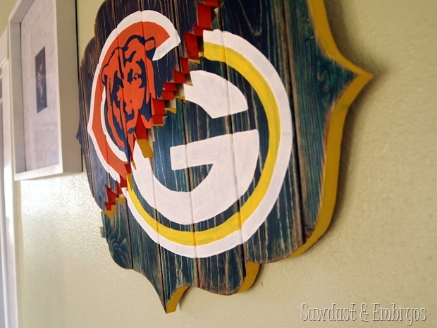 DIY 'Broken' bracket-shaped sign HOUSE DIVIDED {Sawdust and Embryos}