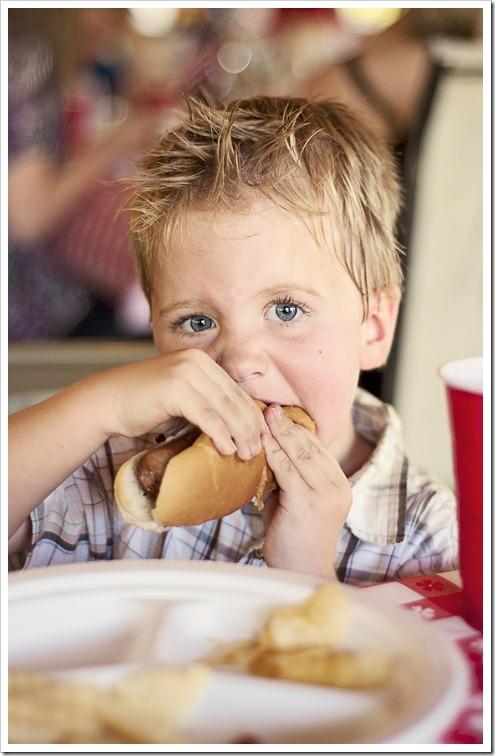 Isaac Hotdog 3
