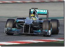 Rosberg con la Mercedes W03