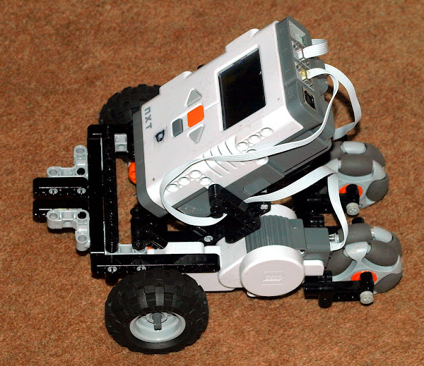 A Simple Lego Mindstorms Nxt Trike Base
