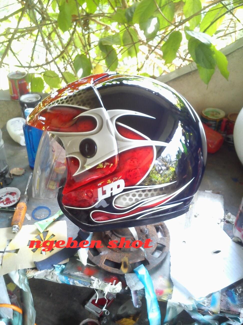 Gambar Helm Airbrush Ltd