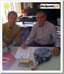 Bullpadel será la pelota y la equipación oficial de la Federación Extremeña de Pádel 2 años más.
