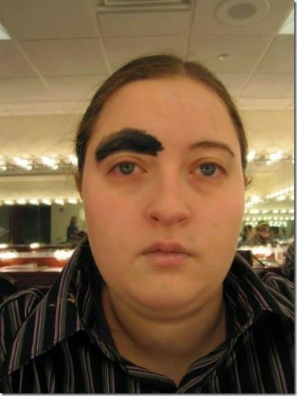 women-scary-eyebrows-051