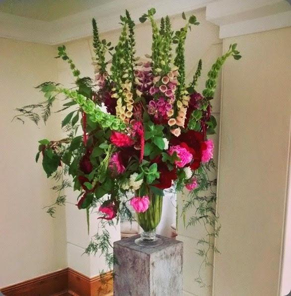 foxgloves jay archer floral design 10361973_779059552133794_7719301932244818898_n