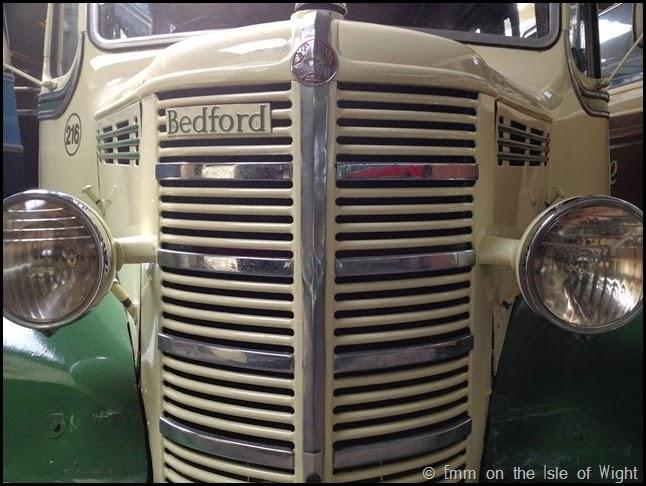 FDL676 Bedford OB