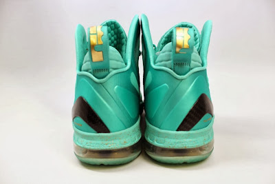 nike lebron 9 ps elite statue of liberty pe 4 05 It Takes $12,900 To Own Two Pairs of Rare LeBron 9 PS Elite PEs