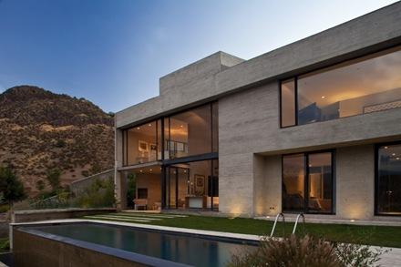 piscina-casa-moderna-chile