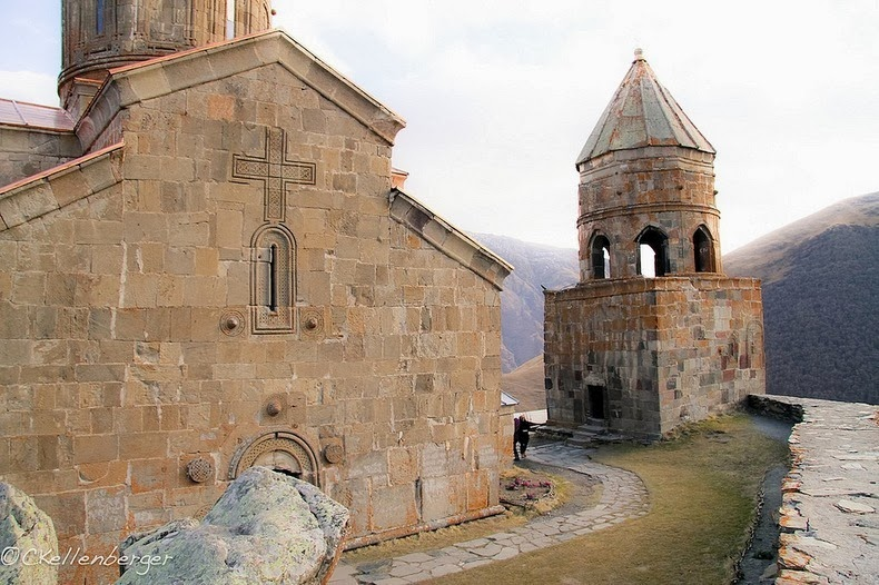 Gergeti Trinity Church in Georgia | Amusing Planet
