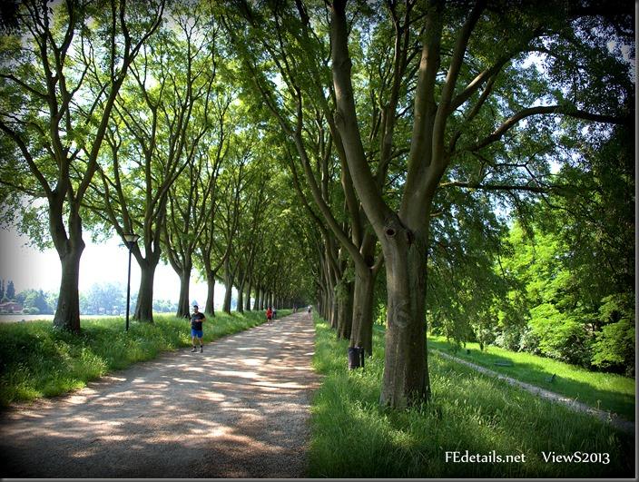 La pista ciclabile-pedonale delle Mura di Ferrara - The pedestrian and bicycle path of the Walls of Ferrara, Italy, Foto1
