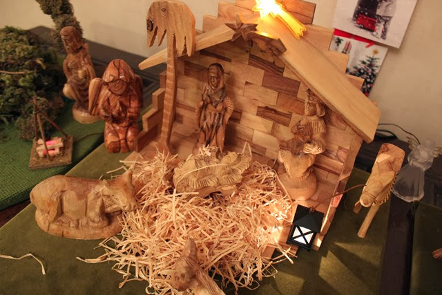 christmas-nativity-scene-christmas-wooden-nativity-scene