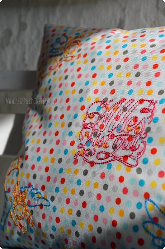 Tröstekissen (08) Embroidery FliegEngelFlieg by AnjaRieger