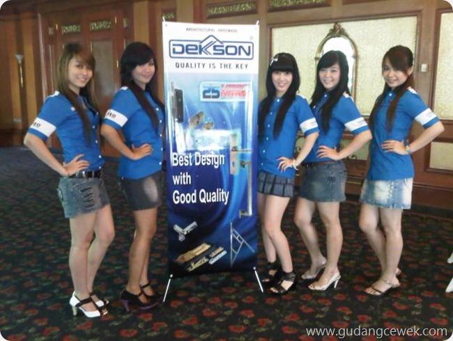 Seksinya SPG Surabaya || gudangcewek.com