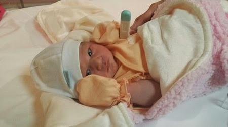 Melissa Ricks gives birth to Kiera Kelly